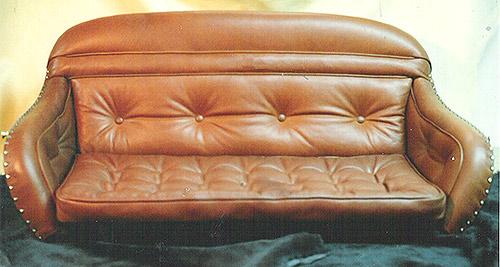 nyrenoverad soffa